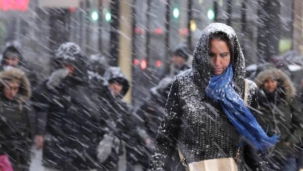 Nueva York se encuentra paralizada por el temporal de nieve tormenta en la costa este de EE.UU.