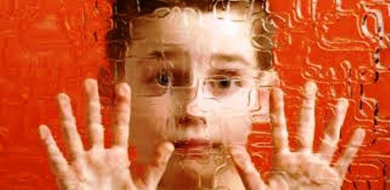Padres de niños con autismo alertan por el uso de pirotecnia