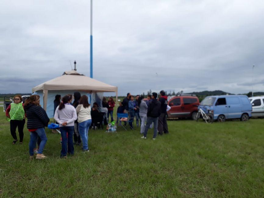 Docentes de Rosario de la Frontera acampan al costado de la ruta