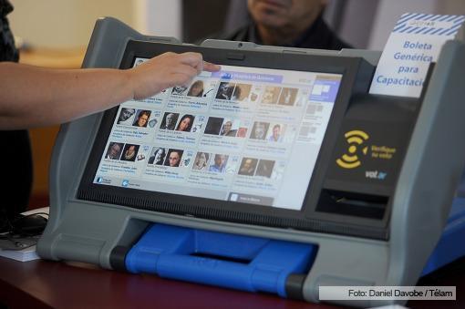 El Ejecutivo porteño ratificó la boleta única electrónica para las elecciones del 5 de julio