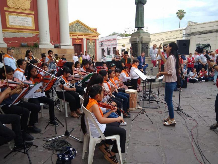 La Orquesta del Hogar Escuela tocó para la Cruz Roja - La Radio de Martin Grande