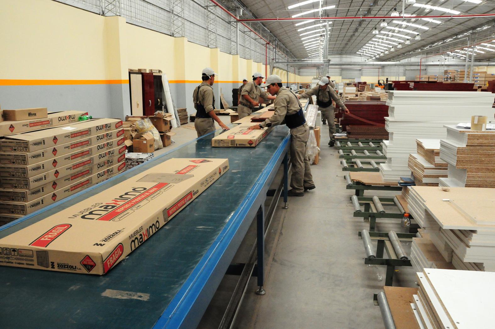 Presentan al mercado muebles m ximo salta fm 89 9 la - Fabricas de muebles en portugal ...