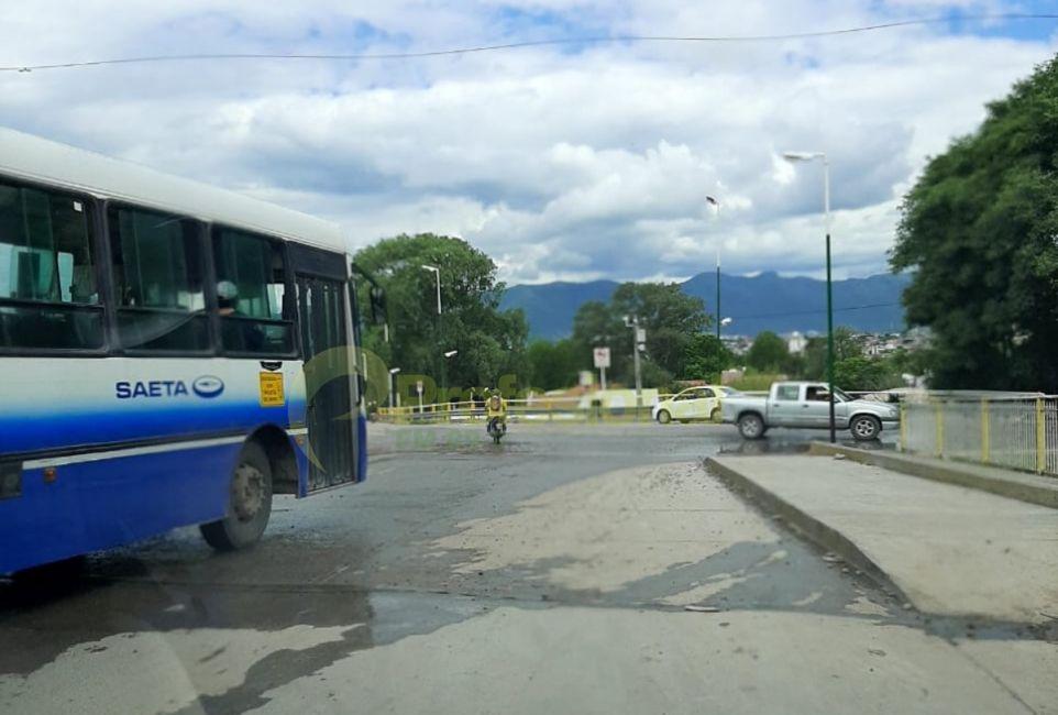 Piden urgente un semáforo en avenidas Juan XXIII y San Martín