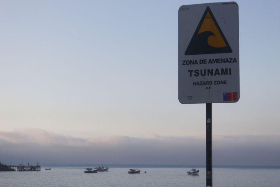 """Por amenaza de tsunami Chile emite una """"Alerta roja"""""""