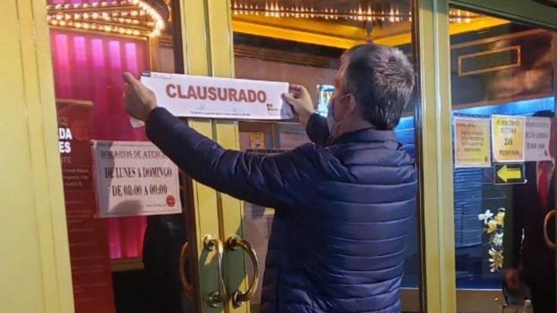 Jugaban fuera del horario permitido, vino la policía y clausuró un casino