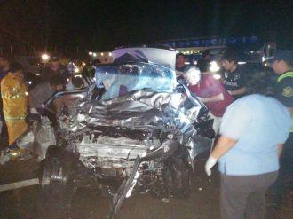 Cinco muertos tras un choque en Colonia Santa Rosa
