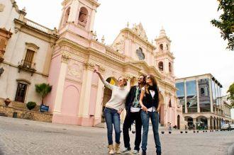 Los turistas gastaron casi mil pesos diarios en Salta