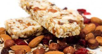 Siete alimentos saludables para evitar el picoteo