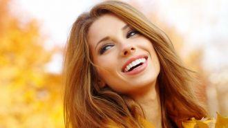 Los seis alimentos que arruinan la sonrisa femenina