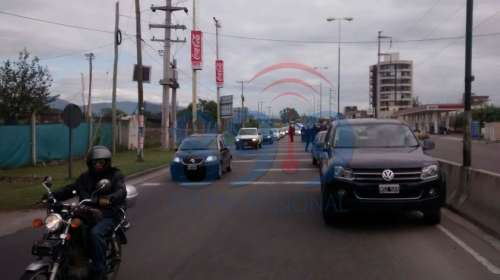 Siniestro vial y congestionamiento en avenida Bolivia