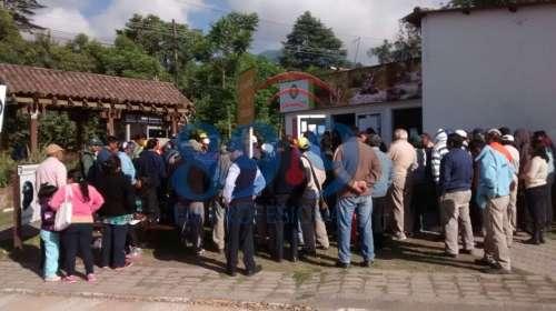 Protesta y toma en la municipalidad de San Lorenzo