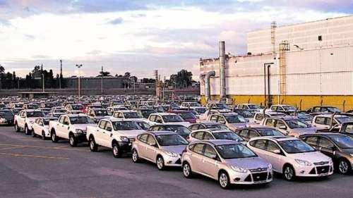Brasil quiere liberalizar el comercio de autos con Argentina