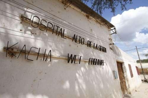 La Provincia contrataría médicos con títulos inválidos para la atención en el norte