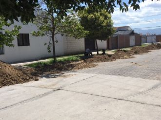 Molestia de los vecinos de barrio Docente Sur por falta de agua