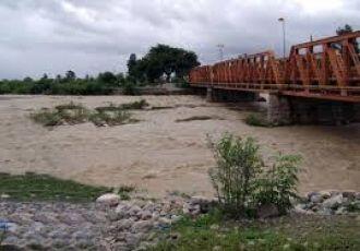 Un niño falleció ahogado en el Río Vaqueros mientras jugaba con amigos