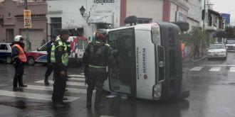 Volcó una ambulancia