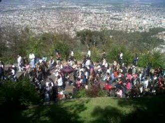Preparan al cerro San Bernardo para el Vía Crucis