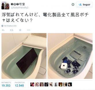 Un novio infiel descubrió que su mujer le tiró todos sus equipos electrónicos al agua