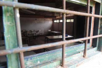 Tucumán: ladrones entraron a una escuela y asaltaron al profesor y sus alumnos