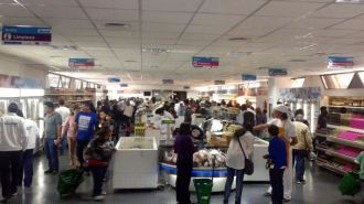 El Indec detectó una brusca desaceleración del consumo de las familias en marzo