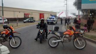 Una joven derrapó con su moto